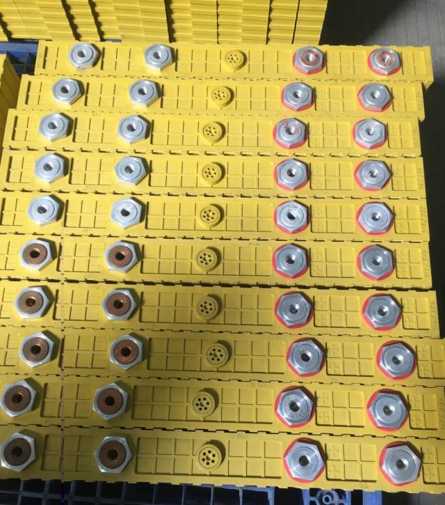 700Ah Winston Battery in stock on sales
